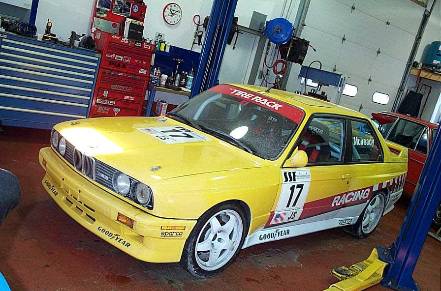 schneller-BMW-e30-M3-race