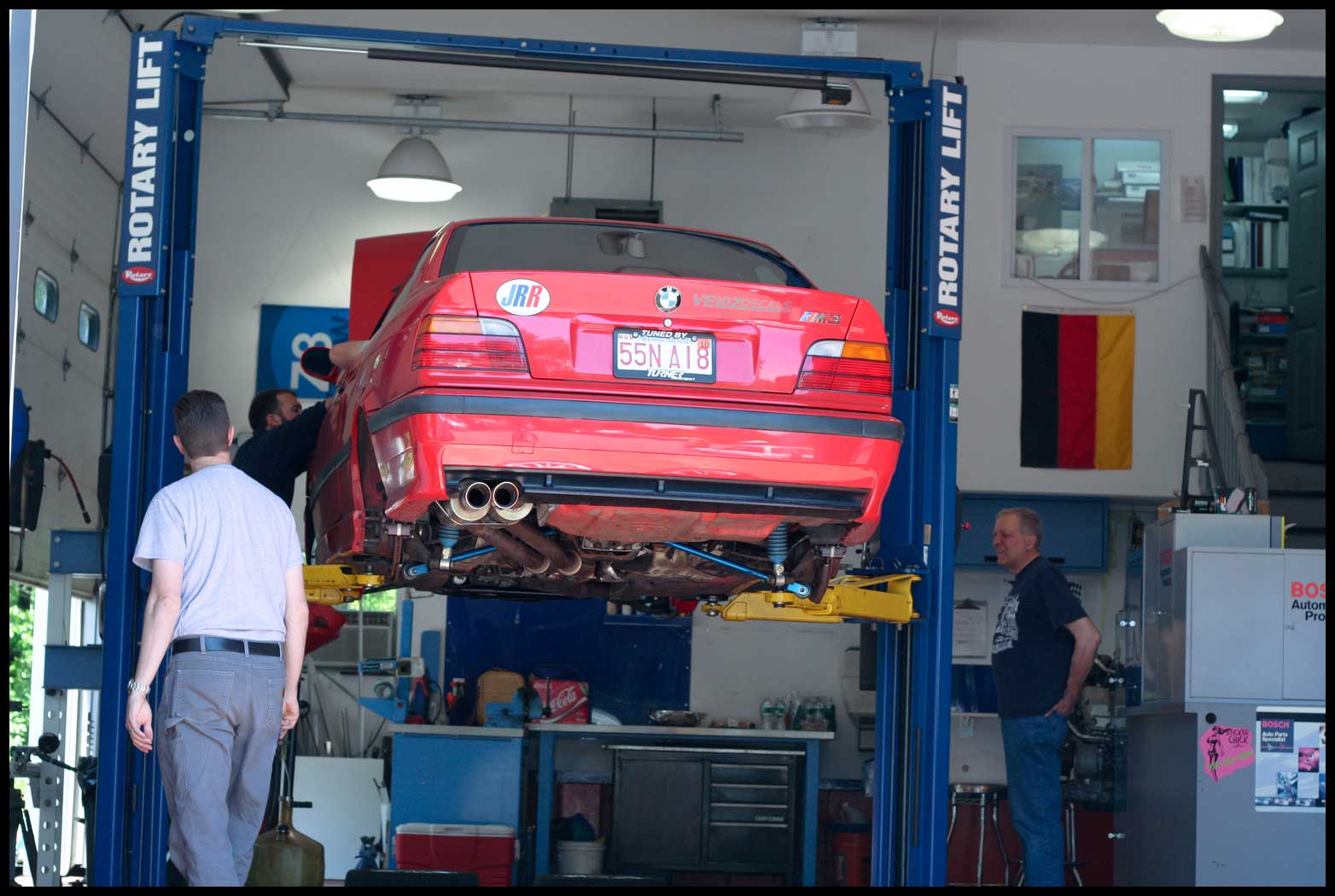 Schneller-BMW-e36-M3-Race